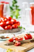 Tomaten zum Einmachen vorbereiten