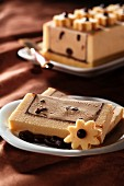 Coffee ice cream cake with mocha beans