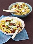 Penne with dried tomatoes, olives and mozzarella