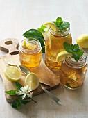 Iced tea with mint and lemons