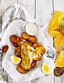 Knuspriger Barsch mit Ofenkartoffeln mit Sauce Tartare