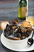 Mussels with cider and bacon