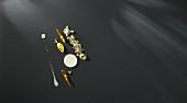 Pulpo mit Kaffeesud, Passionsfruchtvariationen, Longanfrüchten und Minikürbis (Flavour Pairing)