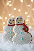 Schneemann-Lebkuchen-Plätzchen zu Weihnachten