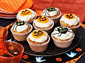 Halloween cupcakes with icing