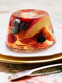Prosecco jelly with peaches and summer fruits