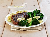 Sirloin steak with broccoli, mashed potatoes and Bernaise sauce