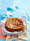 Apple coconut teacake
