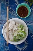 Rice noodle salad with cabbage and spicy sauce (Thailand)