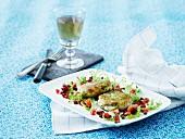 Fischfrikadellen mit Dill, Rote Beete, Paprika und Salat