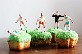 Cupcakes decorated with football players