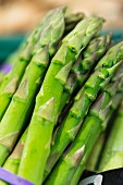 Green asparagus (close-up)