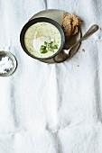 Artichoke soup with bread