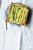 Asparagus tart with pesto