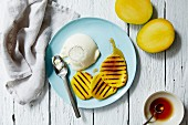 Panna cotta with grilled mango