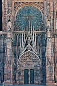 The main doorway and rose window in the western façade of the Strasbourg Münster