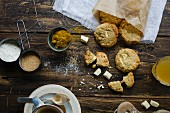 Cookies with white chocolate and curry