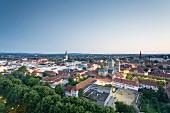 Blick vom Iduna Hochhaus auf die Stadt Osnabrück am Abend