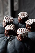 Mini chocolate cupcakes for Halloween