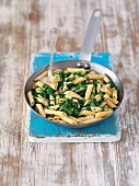 Pasta with spinach and mascarpone