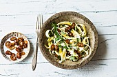 Hamburg root salad with dates and walnuts
