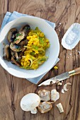 Fennel risotto with saffron and fried mushrooms