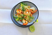 Noodle salad with prawns and rocket (seen from above)
