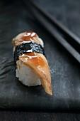 Nigiri-Sushi mit Aal