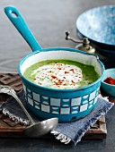 Spicy pea soup (India)