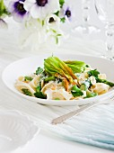 Tagliatelle with asparagus and courgette flowers