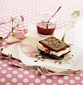 Cocoa biscuits with vanilla ice cream and raspberry jam