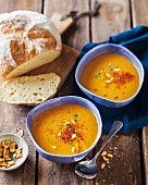 Spicy pumpkin soup with white bread