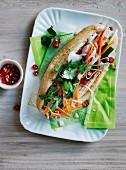 Banh mi thit (Sandwich mit Leberpastete und Schweinefleisch, Vietnam)