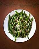 Green beans with pumpkin seeds and sesame seeds