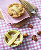 Almond tartlets, raw and baked