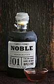 Ahornsirup in der Flasche