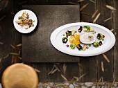 Seezunge mit Auster, Rosenkohl und Eberesche