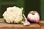 A cauliflower, garlic and an aubergine