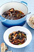 Mussels in a pepper and onion broth