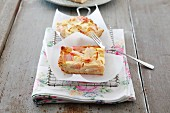 Rhubarb cake with sour cream