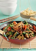 Stir-fried vegetables with meat and noodles