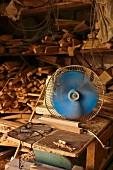 Woodworking despite the heat in the popular Florentin quarter, Tel Aviv