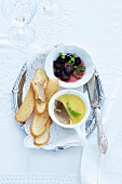 Chicken liver pâté with bread crisps and sweet and sour grapes