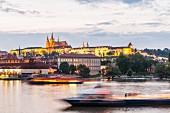 Die Prager Burg Hradschin wir auch die 'Goldene Stadt genannt'