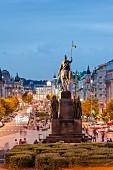 Der berühmte Wenzelsplatz in Prag