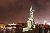 Statue von Johannes von Nepomuk auf der Karlsbrücke, Prag