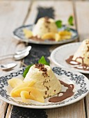 Quince mousse with chocolate sauce