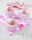 Cupcakes mit rosa Schweinchen
