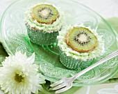 Cupcakes decorated with kiwi slices