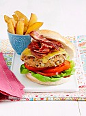 Bacon burger with home-style chips